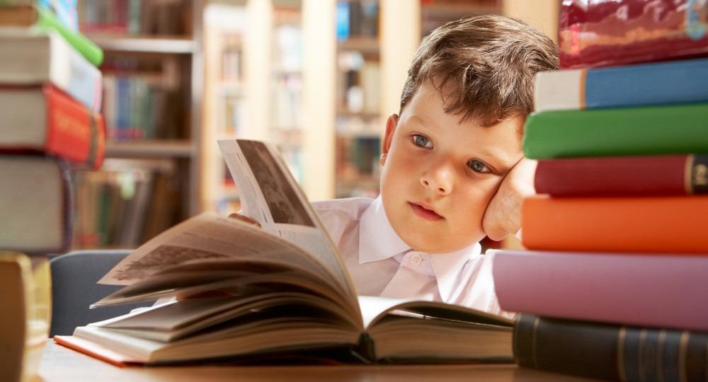 Эксперты: гаджеты помогают вернуть молодежи любовь к чтению книг | Вести образования