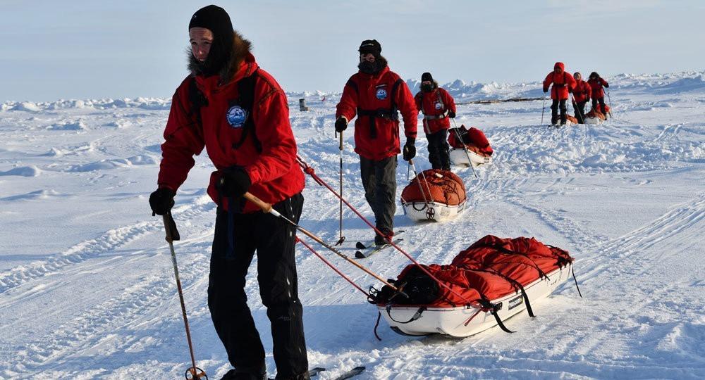 «С этой минуты я буду его руками»: арктическая экспедиция, которая учит не только помогать, но и принимать помощь другого
