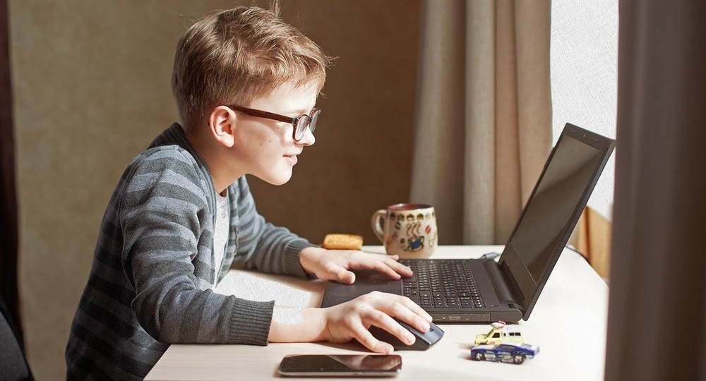 «Если учителя вместе с родителями смогут четко организовать режим учебы и отдыха на дистанте, то и первоклассник быстро может адаптироваться»