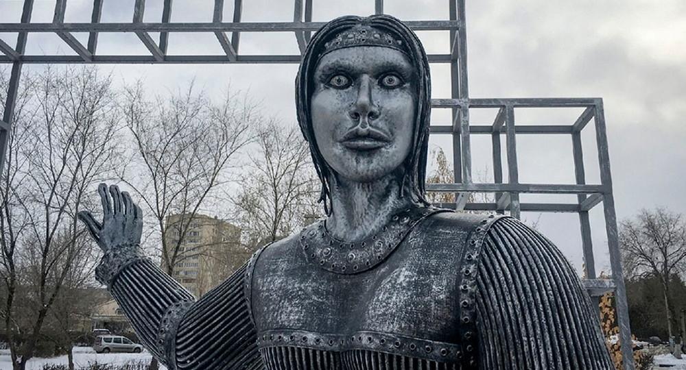 Андрей Разин решил купить памятник нововоронежской Аленке в память о 2020 годе
