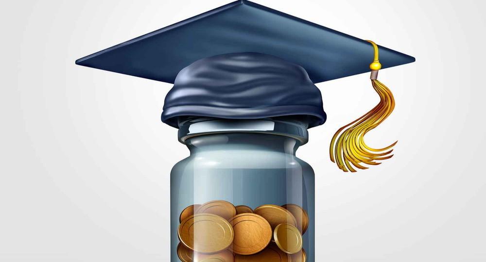 Калининградским студентам дадут повышенную стипендию за будущую работу учителем