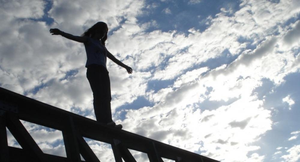 TikTok становится опасным? В популярной сети массово призывают детей к суициду