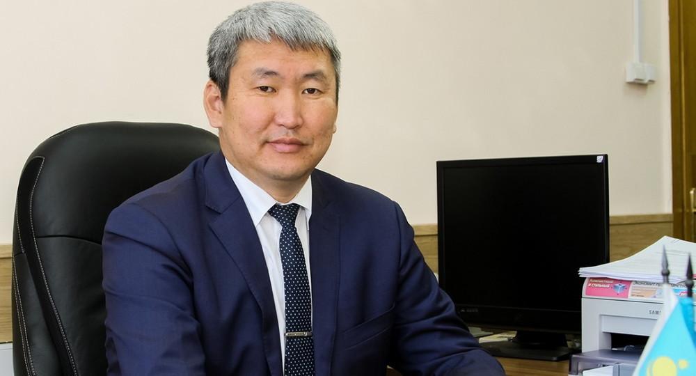 Министра образования республики Бурятия Баира Жалсанова подозревают в хищении бюджетных средств