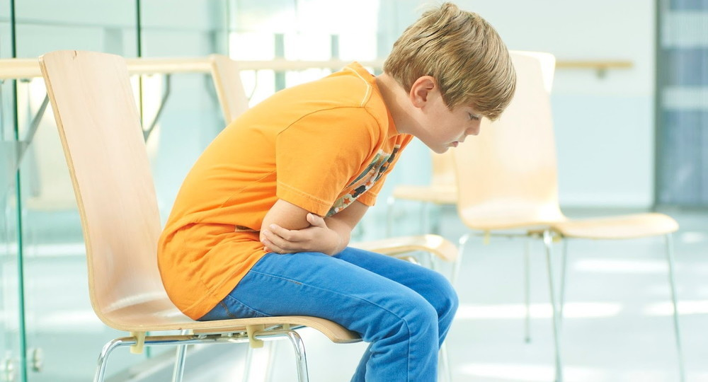 Гастриты, гастродуодениты, колиты: чем болеют подростки и как этого избежать