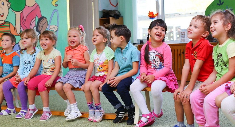 Путин поручил кабмину взять под особый контроль темпы ввода новых детских садов