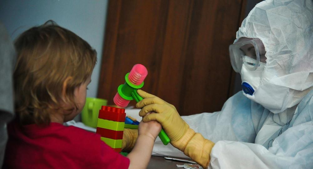 Врачи предупредили о развитии инсульта у перенесших COVID-19 детей