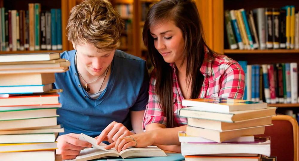 Федеральный перечень учебников предложили использовать в колледжах России