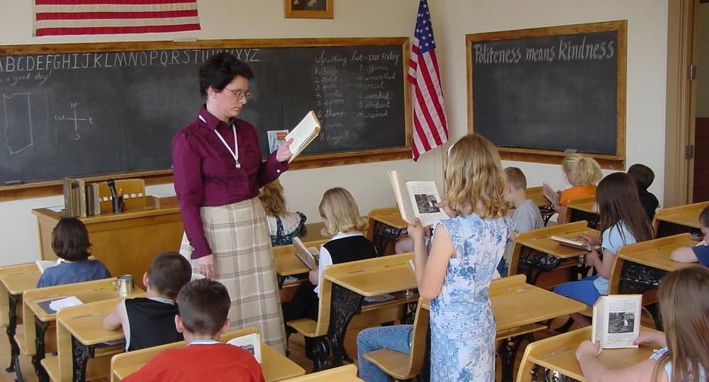 Школа в США не допустит к работе вакцинированных от COVID-19 учителей