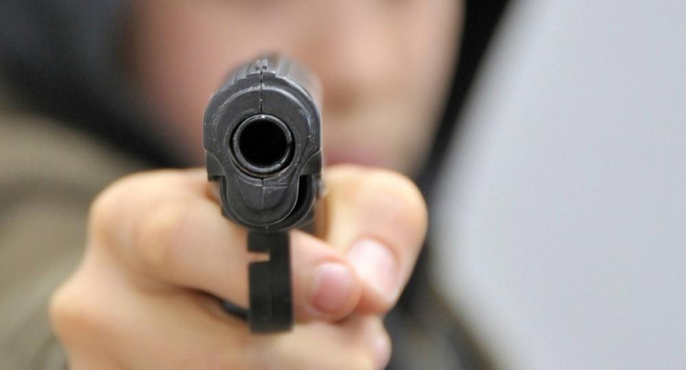 При стрельбе в Казани погибли 9 человек