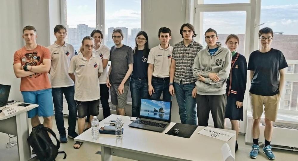 Команда школьников из России взяла восемь золотых медалей на Азиатской олимпиаде по физике