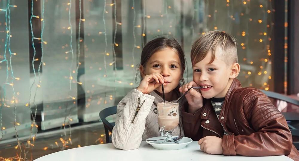 Дети до 18 лет смогут ходить в московские кафе по ПЦР-тесту